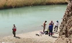 تلاش ۲ ساعته هلالاحمر برای خروج پیکر جوان ۲۱ ساله از رودخانه هلیلرود