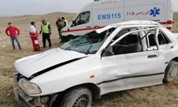 امدادرسانی به ۳ مصدوم واژگونی سواری پراید در جاده قم-کهک