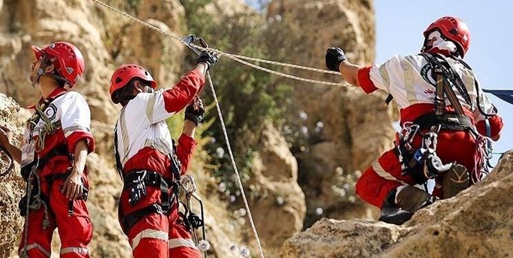 بیش از ۴ روز از مفقودی کوهنورد جوان در لواسان میگذرد/ جستوجو کماکان ادامه دارد