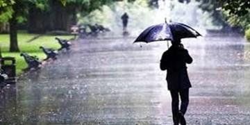 بارش باران در محورهای مواصلاتی سیستان و بلوچستان/لغزندگی سطح جادهها