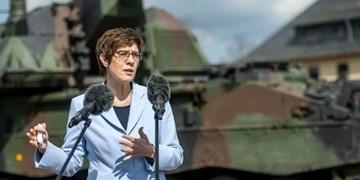 وزیر دفاع آلمان: چین بهدنبال تغییر نظم جهانی است؛ در افغانستان میمانیم