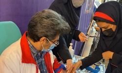 فیلم|وقتی پزشک بدون مرز ایرانی داوطلب دریافت واکسن ایرانی میشود