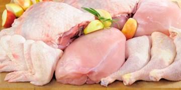 مقاومت برخی مغازه ها در کاهش قیمت مرغ/ صف خرید هنوز در برخی مناطق وجود دارد