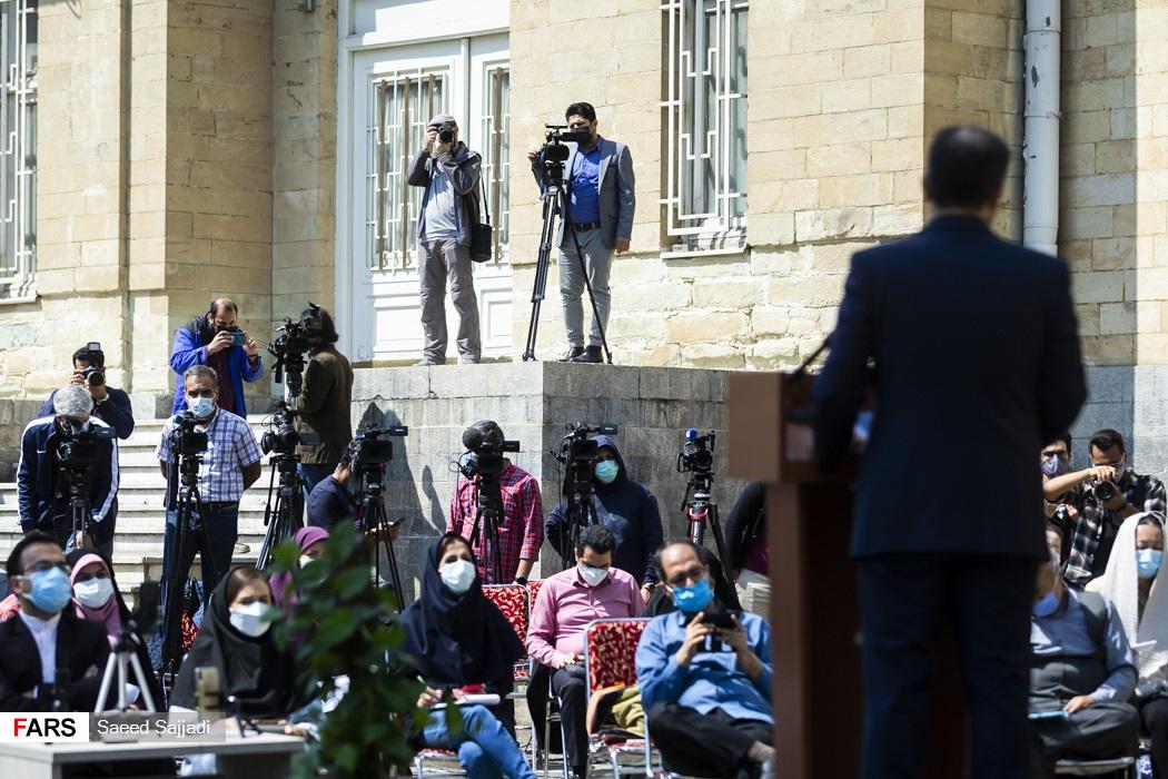حضور اصحاب رسانه در اولین نشست خبری سخنگوی وزارت امور خارجه در سال 1400