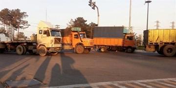 صدور بیش از۷۰۰۰ جریمه و اخطاریه خودروهای سنگین برای پارک در معابر شهری مشهد
