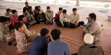 سفارش یک مداح به نوجوانان: تمام زندگیتان را وقف امام حسین کنید