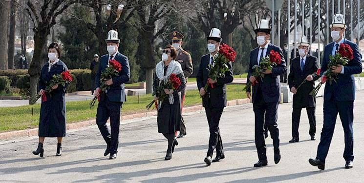 بزرگداشت سالگرد انقلاب آوریل 2010 در قرقیزستان با حضور «جباراف»