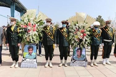 پیکر پاک دو شهید محیطبان که با گلوله شکارچیان غیر مجاز به شهادت رسیدند امروز در زنجان تشییع شد.