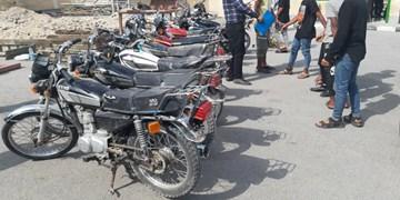 انهدام باند ۶ نفره مالخران و سارقان موتورسیکلت در قشم