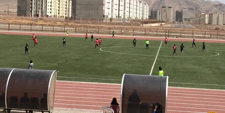 آغاز رقابتهای فوتبال بانوان کشور در تربتحیدریه