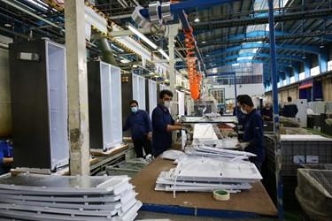 فعالیت کارگران در گروه صنعتی انتخاب