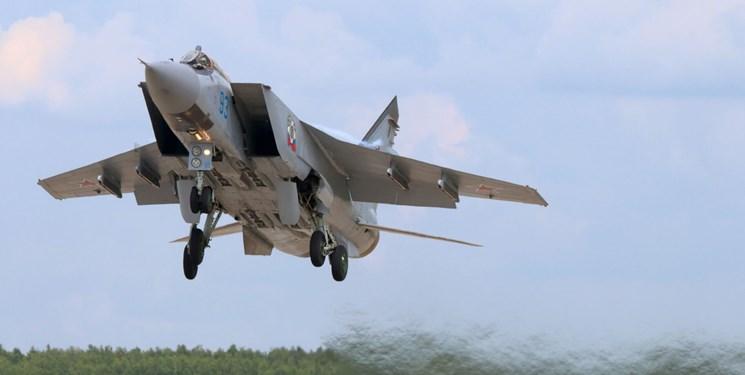 جنگنده میگ روسی هواپیمای شناسایی آمریکا را رهگیری کرد