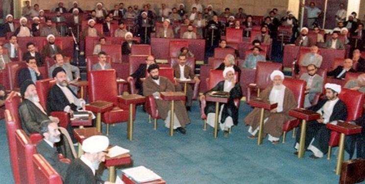 ماجرای قانونی که باعث استعفای فقهای شورای نگهبان شد/ امام درباره مسکن از شخصیت فقهی خود مایه گذاشت
