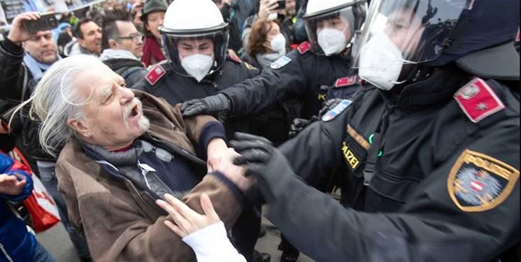 فیلم  مقابله پلیس اتریش با تظاهرات ضد محدودیتهای کرونایی