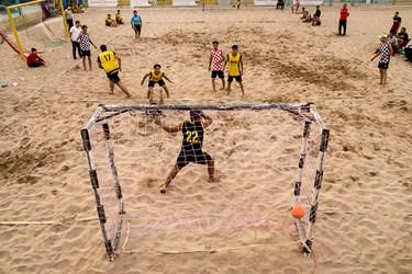 اولین تورنمنت منطقهای      هندبال ساحلی در یزد
