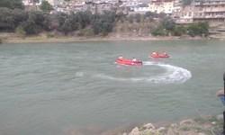 تلاش برای جستوجوی ۲ جوان غرقشده در سفیدرود