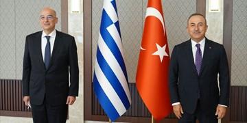وزرای خارجه ترکیه و یونان بر لزوم کاهش تنشها تأکید کردند