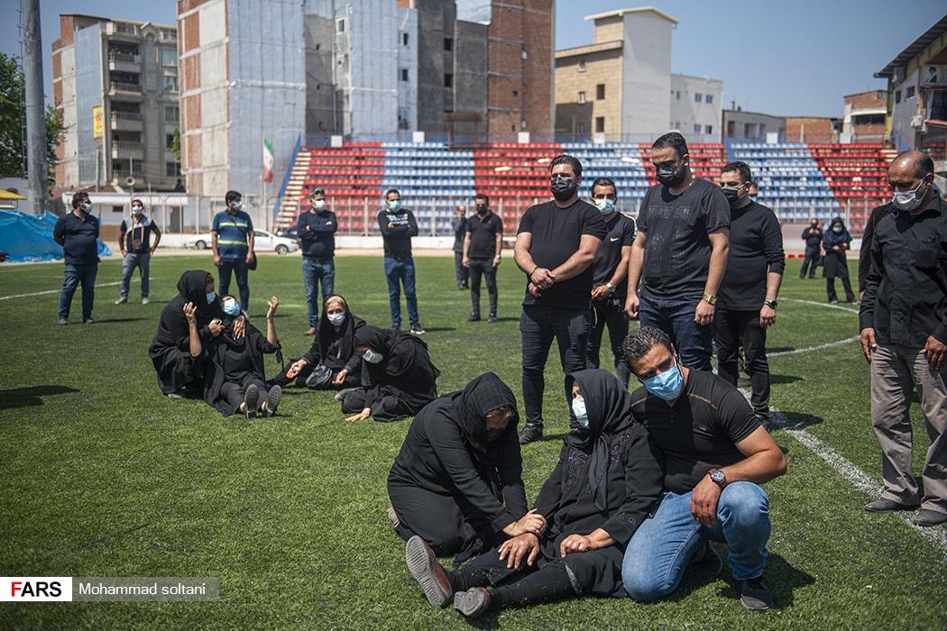 حضور خانواده نادر دستنشان در ورزشگاه شهید وطنی قائمشهر