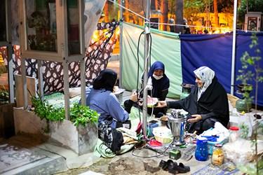 افطاری ساده در گلزار شهدا