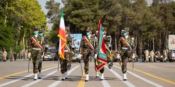رژه خودرویی یگانهای ارتش در شیراز