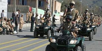 برگزاری رژه خدمت به مناسبت روز ارتش در اهواز