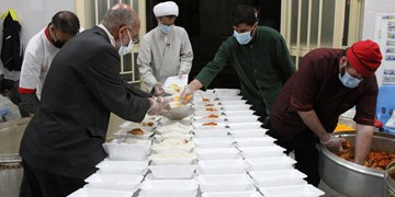 طبخ 30 هزار پرس غذای گرم در ماه رمضان