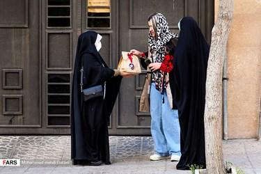 به همت جمعی از جوانان تهران و به مناسبت میلاد حضرت بقیه الله الاعظم(عج)، در حرکت خودجوش و اجتماعی سهشنبههای مهدوی، ١١٨٧ بستهی عیدانه تهیه و در سطح شهر تهران اهدا میشود.