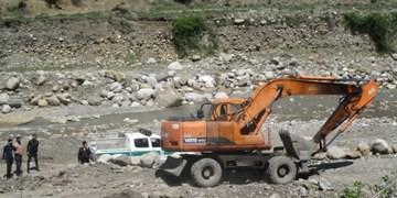 توقف عملیات برداشت غیرمجاز مصالح از رودخانه «قرهچای» رامیان