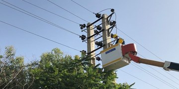 تعمیر و بهینهسازی ۳۱۷ کیلومتر شبکه برق در خمین