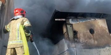 بروز آتشسوزی در کارخانه گونیبافی شهرک صنعتی ایبک آباد/ مهار آتش پس از ۱۱ ساعت