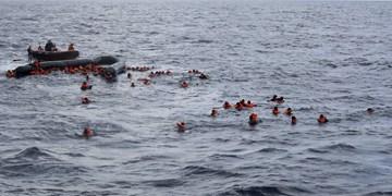 جان باختن حداقل 100 پناهجو در پی واژگون شدن قایق در مدیترانه