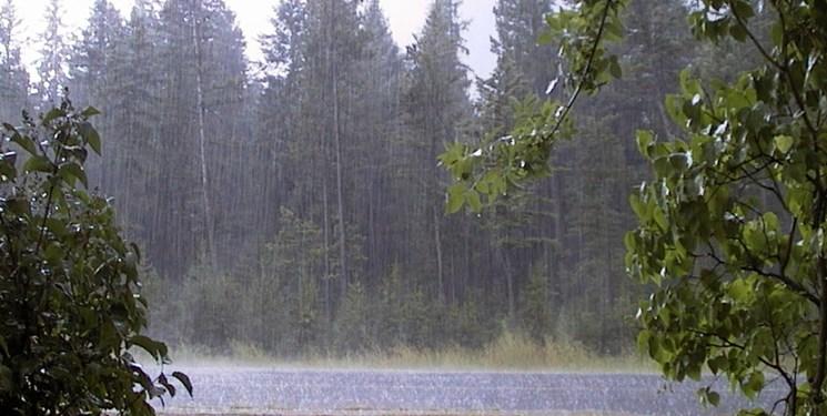 بارش باران در جاده های ۱۶ استان/ ترافیک سنگین در برخی مقاطع آزادراه کرج-قزوین
