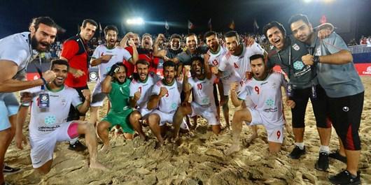 پشت پرده اتفاقات باورنکردنی در تیم ملی فوتبال ساحلی/ تیم خانوادگی درست کردهاند/ روایت عجیب از رای احمدزاده به علی کریمی