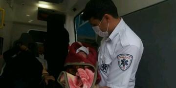 صدای زندگی در حاشیه رودخانه ارس  / تولد نوزاد عجول در آمبولانس