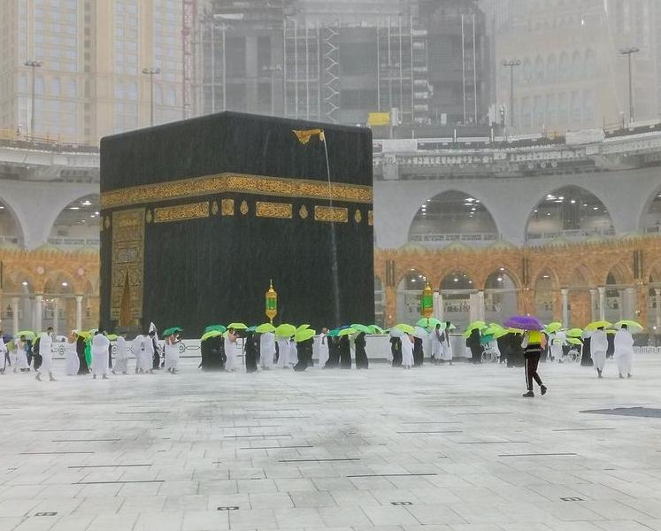 14000208000425 Test NewPhotoFree - بارش تگرگ در مسجدالحرام+عکس و فیلم