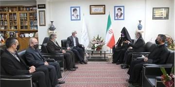 ارامنه  در ایران و در کنار دیگر برادران دینی  زندگی توام با آرامش و امنیت دارند