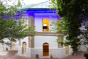عمارت تازه بازسازی شده منظریه مجموعه اردوگاهی شهید باهنر