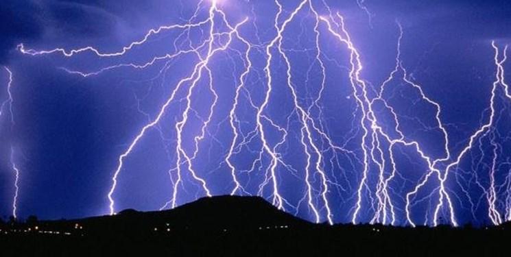 هشدار وزش باد شدید در برخی نقاط و اختلال در تردد جادهای/کوهنوردان مراقب صاعقه باشند