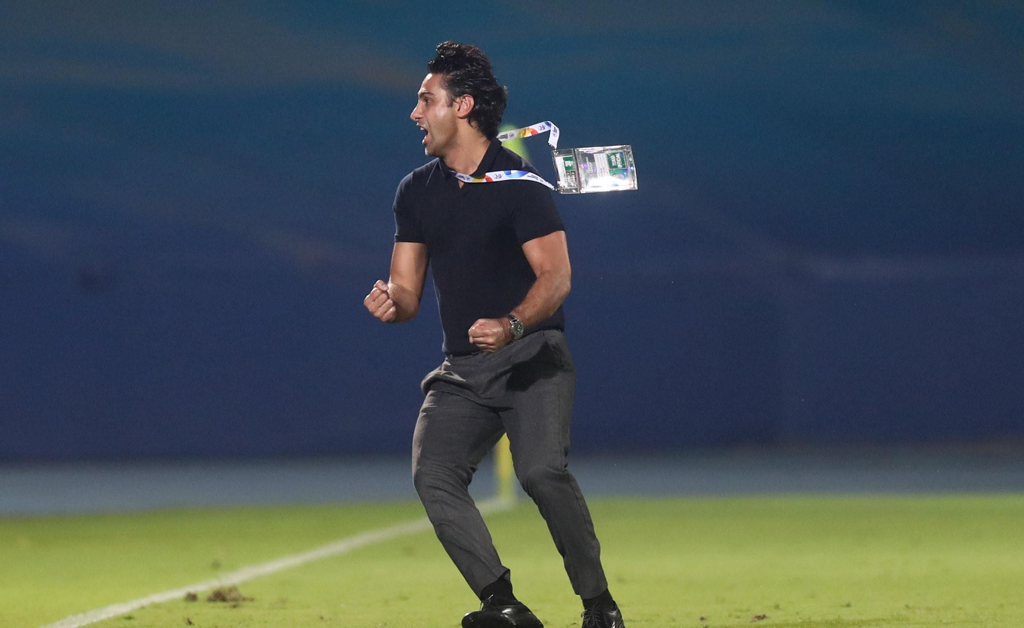 شادی خاص مجیدی بعد از صعود استقلال به یاد گلزنی در دربیها+تصاویر