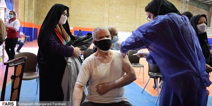 افتتاح دومین مرکز تجمیعی واکسیناسیون کووید ۱۹ در ساوه