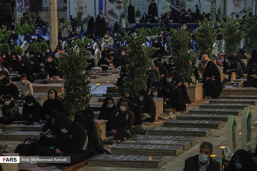 شب قدر در گلزار شهدای کرمان