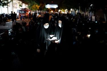 قرائت دعای جوشن کبیر در شب بیست و یکم ماه مبارک رمضان در حسینیه همدانیها_ خیابان ری تهران