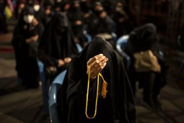 حضور عاشقان خاندان عصمت و طهارت علیه السلام  درمراسم احیای شب بیست و یکم  رمضان1442 ، هیئت ریحانه النبی (س)  خیابان ملکی