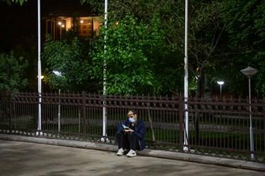 ضلع شمالی دولتخانه صفوی در شب بیست و یکم رمضان