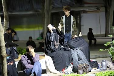منقلب شدن شرکتکنندگان در مراسم احیای شب بیست و یکم ماه مبارک رمضان هنگام قرائت دعای جوشن کبیر