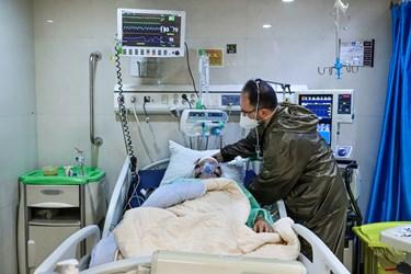 هر بیمار یک پرستار اختصاصی در یک شیفت کاری دارد که به صورت تمام وقت از او مراقب می کند، به ویژه که بیماران بخش آی سیو عموما در شرایط جسمانی وخیمی قرار دارند.