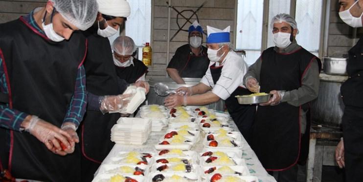 پخت ۵۰ هزار پرس غذا برای نیازمندان در ۱۰ شب