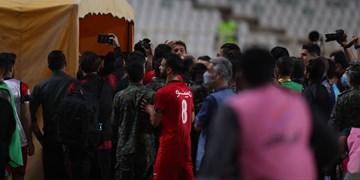 فیلم| درگیری عجیب و زشت بازیکنان سپاهان و پرسپولیس پس از بازی