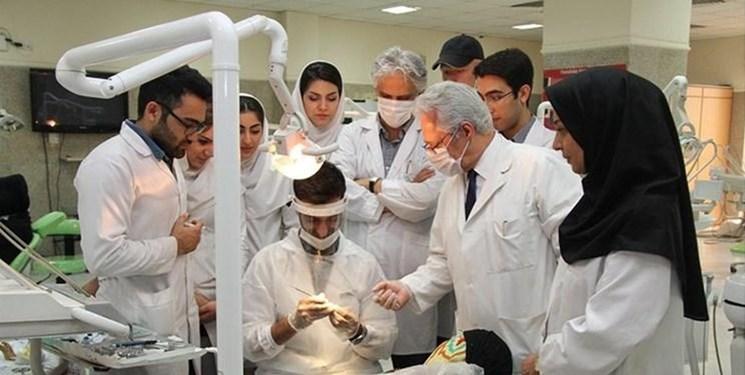 معضلی به نام کمبود پزشک؛ میزگرد «فارسمن»: ایران در رتبه بیستم آسیا از نظر کادر پزشکی قرار دارد