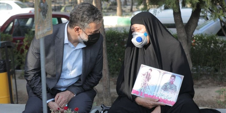 روضهخوانی محمود کریمی برای خانواده شهدای فاطمیون در پی حادثه تروریستی کابل+عکس و فیلم